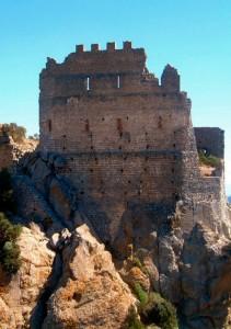 le rovine del castello di acqua fredda