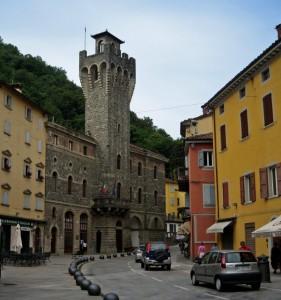 Castello Municipale o Municipio Castellare? boh??? :-(