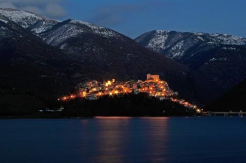 Castel di Tora - Crepuscolo a Castel di Tora