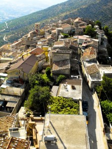 I tetti di Castelcivita dalla torre angioina