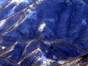 Contrada Zanconati tra le pieghe della montagna