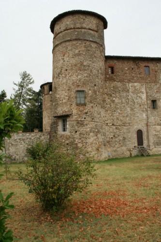 Travo - Una torre del castello di Statto