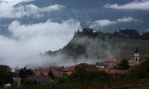 la nebbia ai irti colli