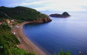Panorama sulla spiaggia dell'Innamorata con le Isole Gemini