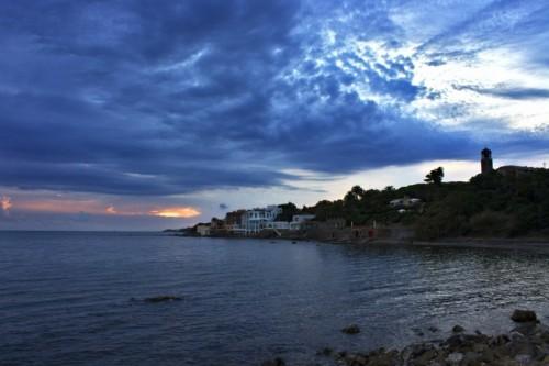 Santa Marinella - L'occhio del tramonto vigila su Santa Marinella