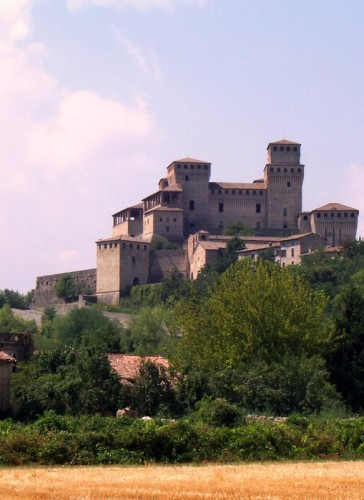 Langhirano - il castello di torrechiara