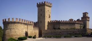 Vigoleno - Le Mura del borgo e il Castello