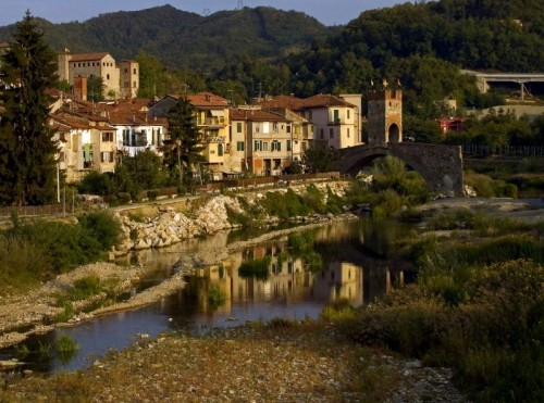 Millesimo - Ancora il castello e il bellissimo ponte