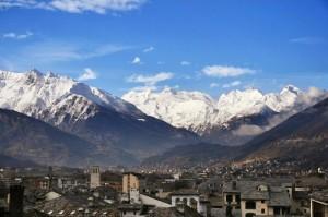 Aosta - città ai piedi delle alpi
