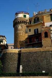 La torre che guarda il porto