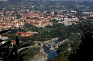 Il fiume Pellice che attraversa Luserna S.Giovanni
