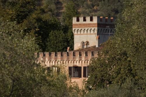 San Giuliano Terme - ...nascosto nel verde...