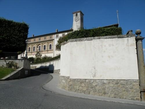 Oriolo Romano - Salendo verso palazzo Altieri
