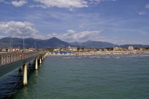 Marina di Pietrasanta vista dal Pontile