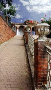 Castello di Moncalvo- accesso e mura di cinta