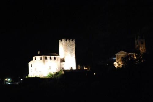 Avise - esterno notte: castello 1