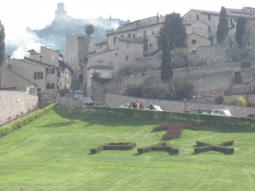 Assisi - un panorama e .....un augurio