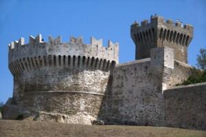 Bastione e torre di Populonia