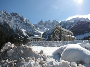 Falcade sepolta dalla neve