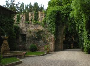 Le mura di Grazzano Visconti