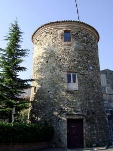 Torre cilindrica di Alanno.