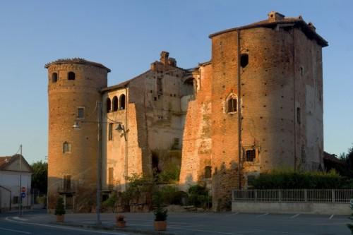 Cavallerleone - Il castello spezzato...