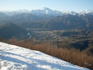 Borgosesia e monte Barone dal monte Fenera