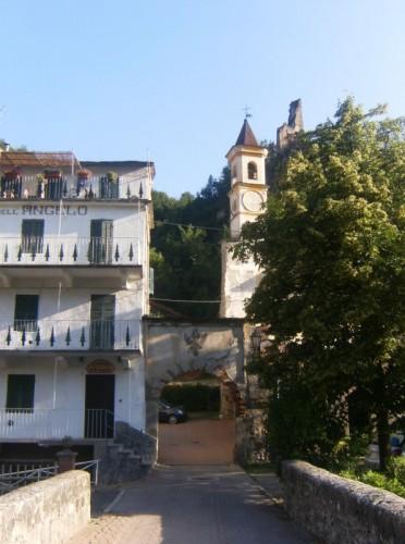 Monterosso Grana - il castello