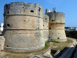 Torrioni e Fossato del Castello Aragonese di Otranto
