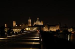 Castello di San Giorgio e Palazzo Ducale visti dal Ponte