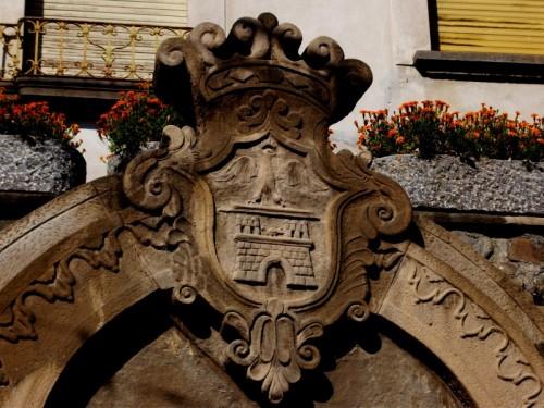 Ello - Stemma del Castello di Ello