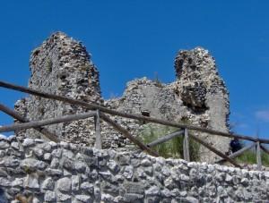 La rocca di Castel Morrone