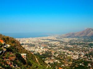 Dalla panoramica di San Martino delle Scale, Vi presento Palermo.