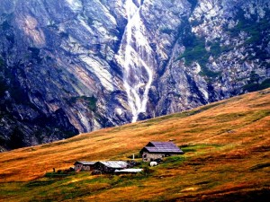 Cascata a monte del rifugio Scarfiotti