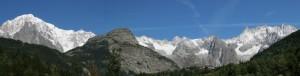 Sotto la catena del Monte Bianco