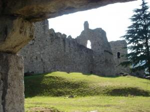 Il verde abita il castello di breno