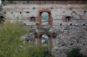 Le antiche mura del Castello Superiore