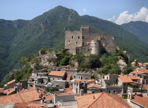 Castelvecchio di Rocca Barbena - Il Castello feudale
