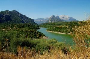 Il fiume Cedrino che scorre sotto al Supramonte