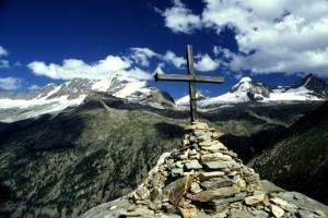 La croce di Arolley e il Gran Paradiso