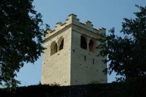 Torre degli Ezzelini dal basso