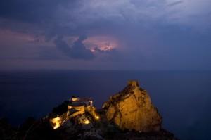 tempesta in arrivo al castello