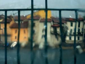 Piccolo panorama di Pescarenico frazione di Lecco, sotto la pioggia e attraverso la pioggia