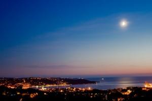 Trieste, la luna …..