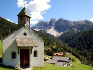 chiesetta e Odle di Eores
