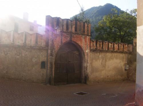 Monterosso Grana - castello di monterosso