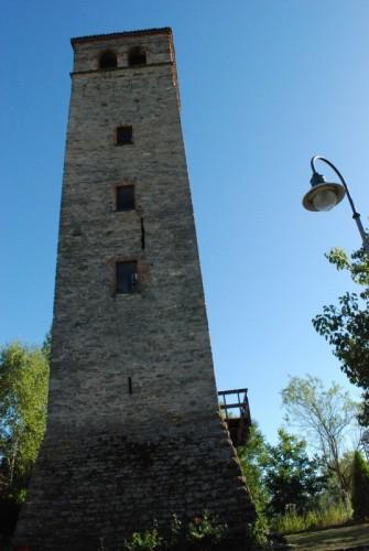 Terzo - la torre del castello di terzo