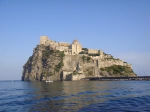 Castello Aragonese visto dalla barca