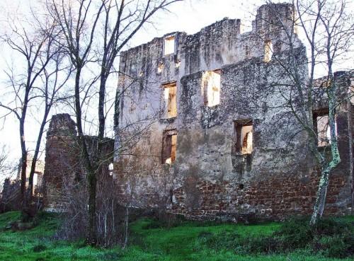 Canale Monterano - Rovine del Castello Orsini Altieri, Riserva Naturale Regionale di Monterano