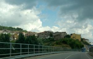 Celico visto dalla superstrada Cosenza-Crotone